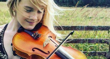 Ohmygossip.fi: VIROSTA KOTOISIN oleva 11-vuotias viulunsoittaja Estella Elisheva lumoaa maailman musiikin klassikoita